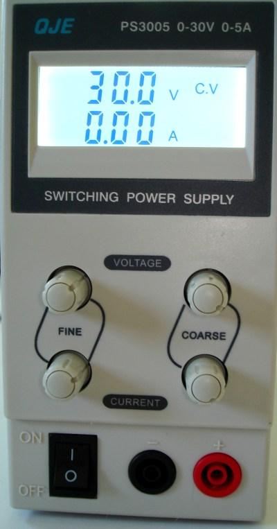 OJE PS3005 0-30V 0-5A leicht, auf 30V gestellt