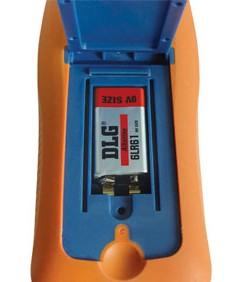 Tonghui TH2822C 100Hz-10kHz 4 Leiter Präzisions LCR Meter Rückseitenansicht mit offenen Batteriefach, erklärt von pinsonne-elektronik.de